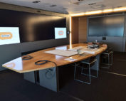 Installation audiovisuelle salle de crise Bouygues