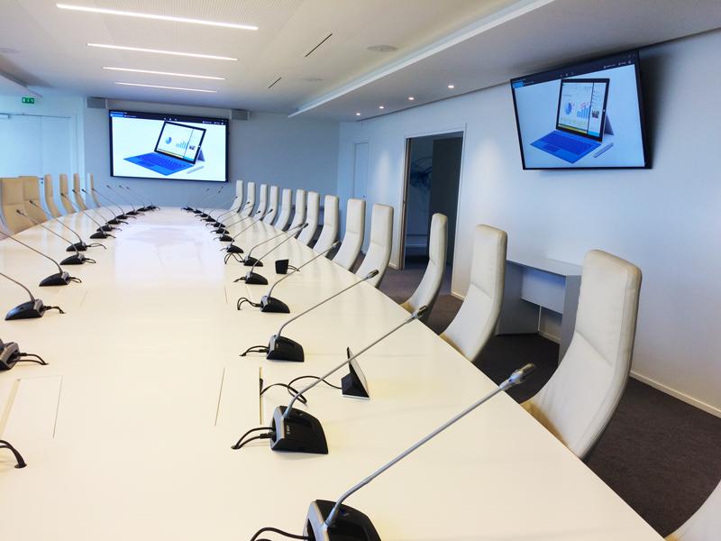 Sonorisation d'une salle de réunion d'un conseil d'administration
